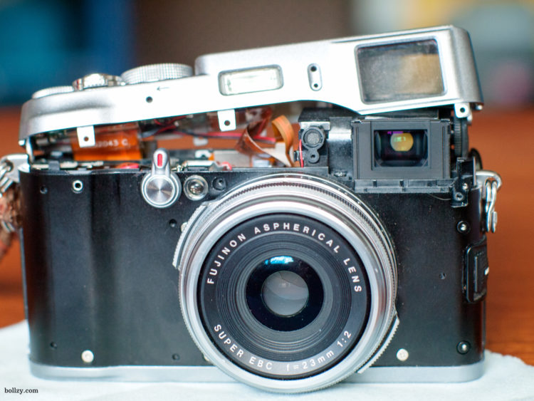 Front view of an opened Fujifilm X100